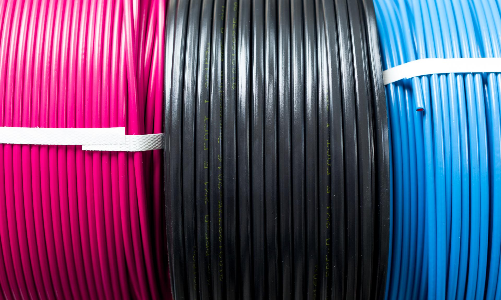 Industria della gomma e della plastica: immagine di cavi